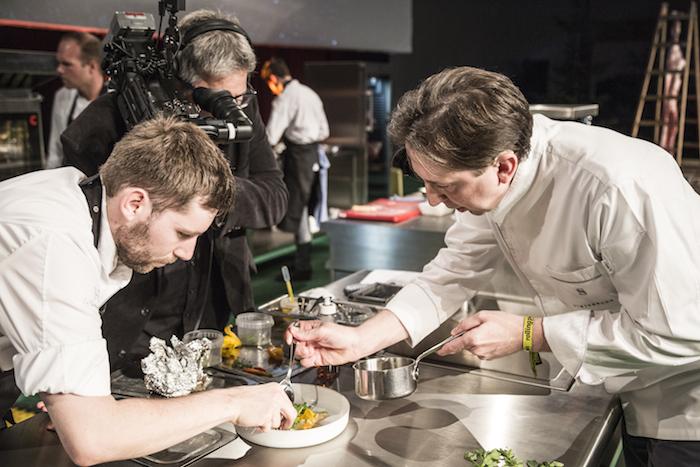 Heinz Reitbauer bei seiner Kochdemonstration auf der großen Bühne (C) Rolling Pin