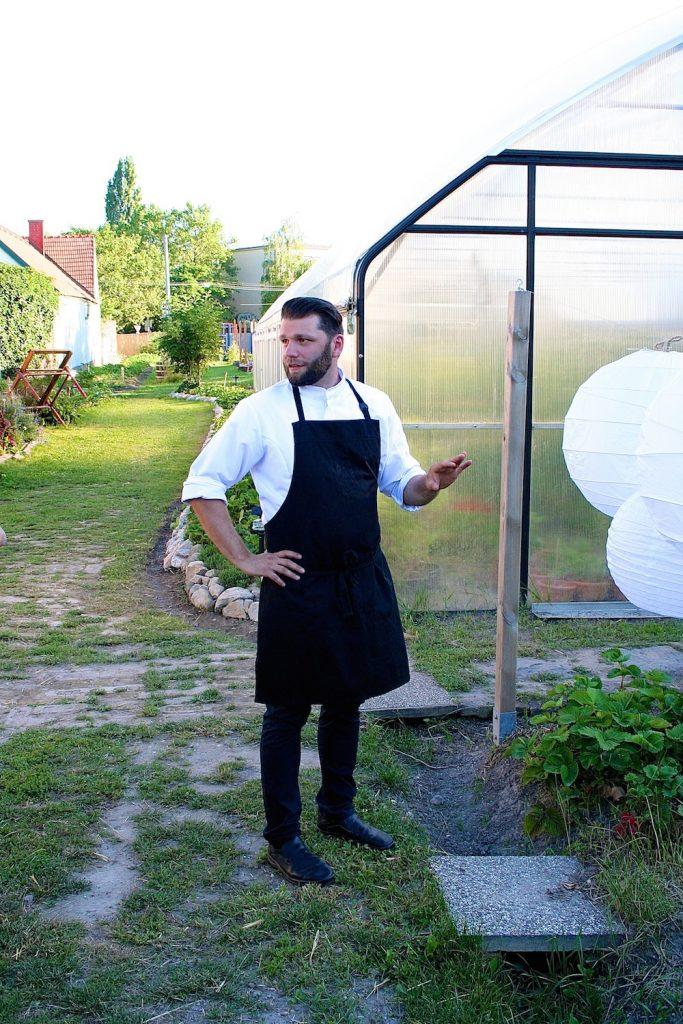 Wie für alle Mitarbeiter ist der Feierabend-Garten für Restaurantleiter Christopher Schramek fixer Teil seines Arbeitsplatzes