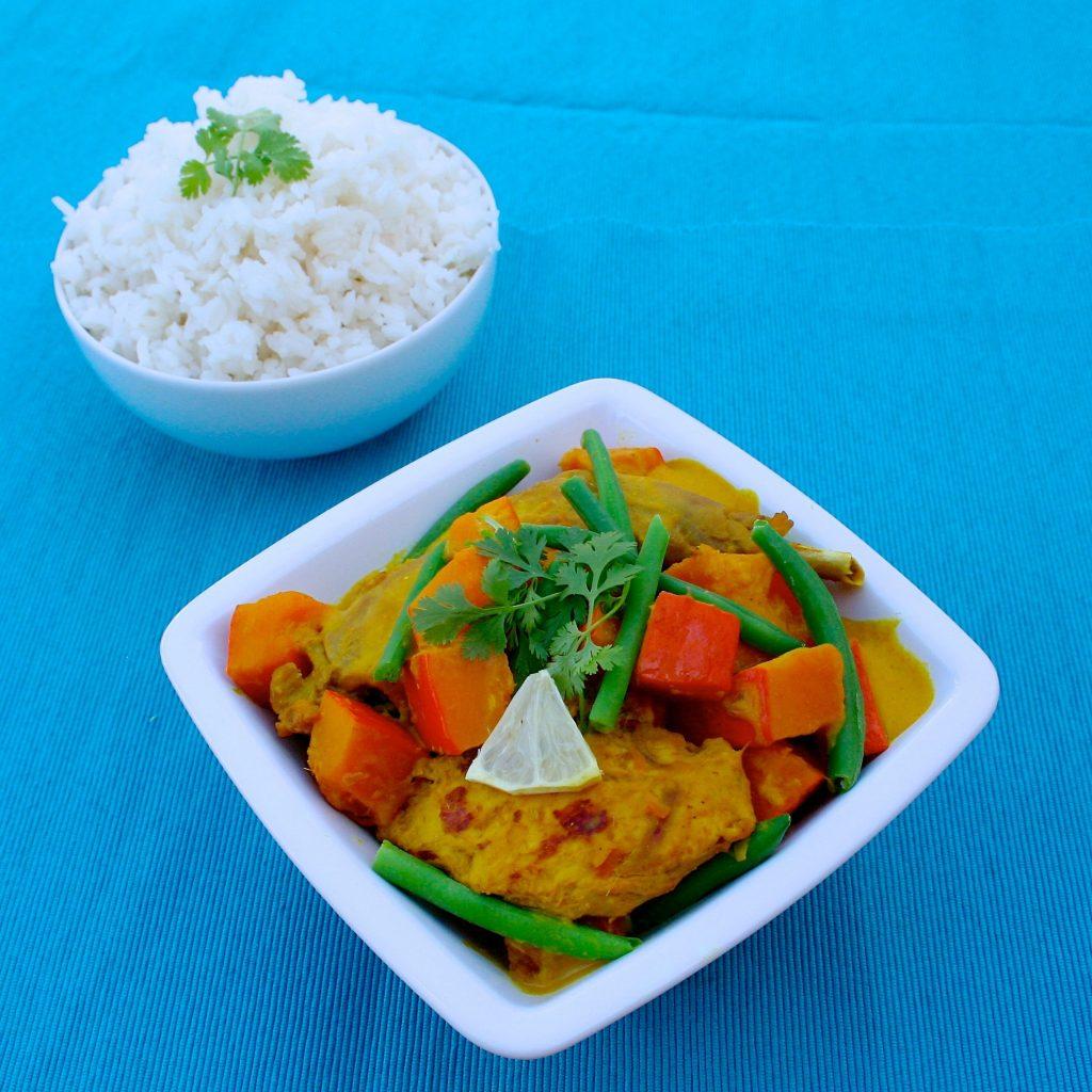 Traditionell werden Currygerichte fast nie nur mit Filet gekocht, bei uns pure Gewohnheit
